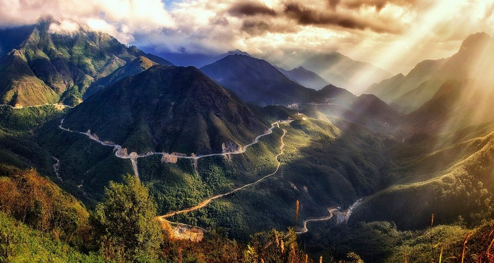 251565-nature-landscape-Vietnam-sunset-mountain-clouds-sky-road-shrubs-sun_rays-valley.jpg