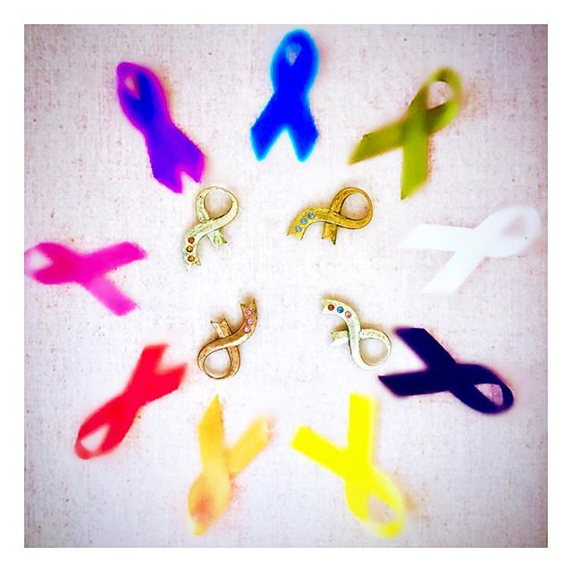Join us in the battle against cancer. It ends with a cure. Show your love and support for all those that are in need. Remember for every one of our support brooches 🎗 that are sold 10% is donated to cancer research. 💜❤️🧡💛💚💙