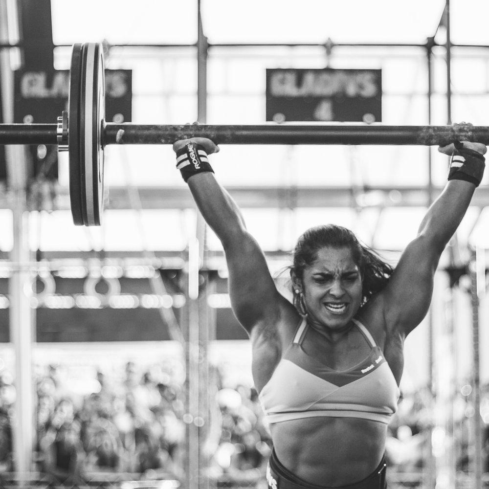16d634e5303 Ela é uma das melhores atletas de elite do país  conheça Lari Cunha ...