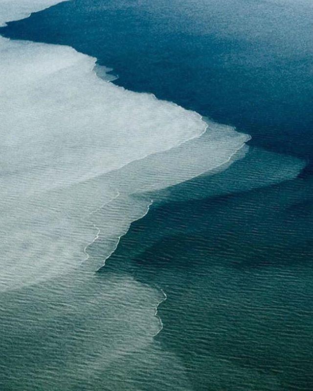 #LaPlage . . . #beaches #beach #intotheblue #openocean #waves #currents #tidal #water #ocean #sea #bluewaves #bluetide #oceans #naturephotography #naturephoto #beautyinnature