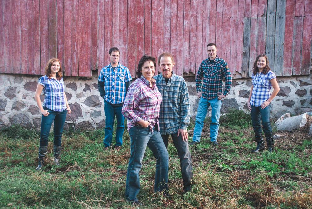 Rustic Wisconsin barn family portraits