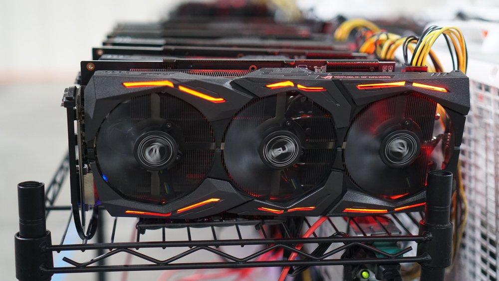 AMD MINING RIG - Parts list:MotherBoard: Asus A320M/Z370-ACPU: Ryzen 3 - Intel i3Ram: 8GB DDR4SSD/M.2: 120GB-240GBPSU: 1050W-2250W GoldGPU:RX 580 8GB