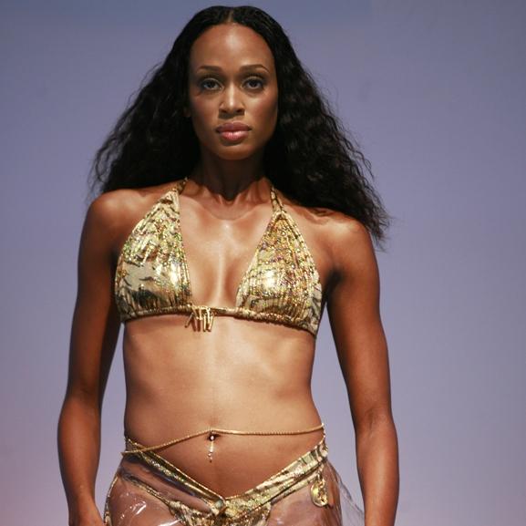 CARIBBEAN LIFE || BIKINI UNDER THE BRIDGE - Fashion