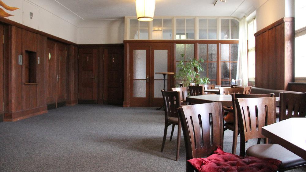 WANDELBAR (FOYER) Das Foyer mit direktem Anschluss an die Betriebsküche bietet sich mit ca. 45 m2 optimal für Workshops, Seminare, Meetings an.