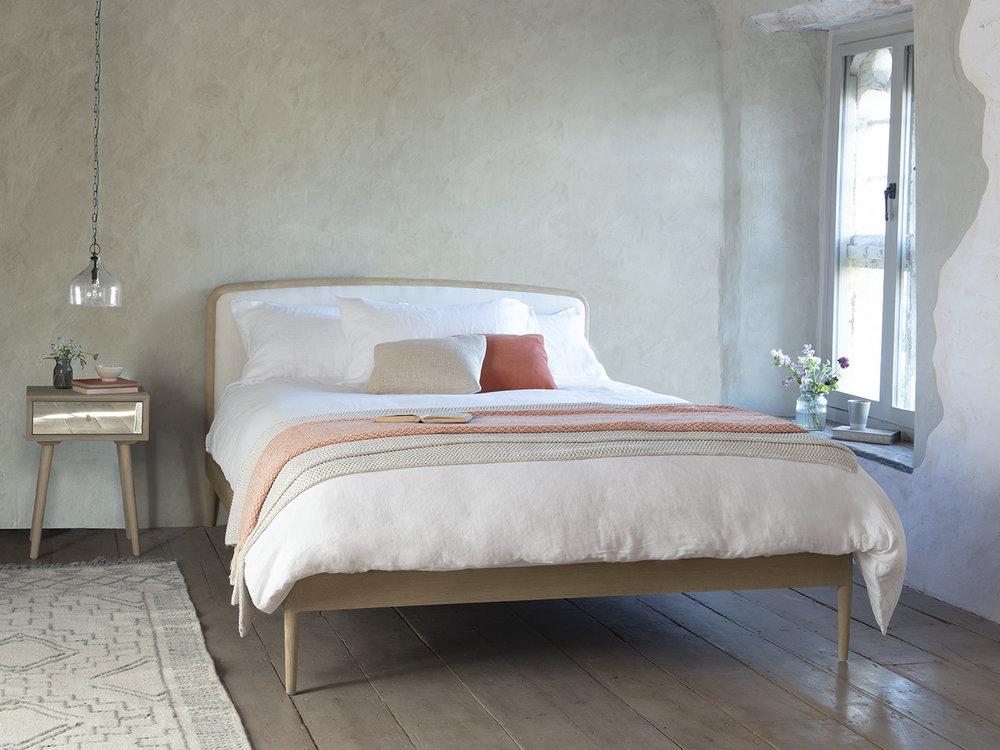 Smoothie elegant french style bed.jpg