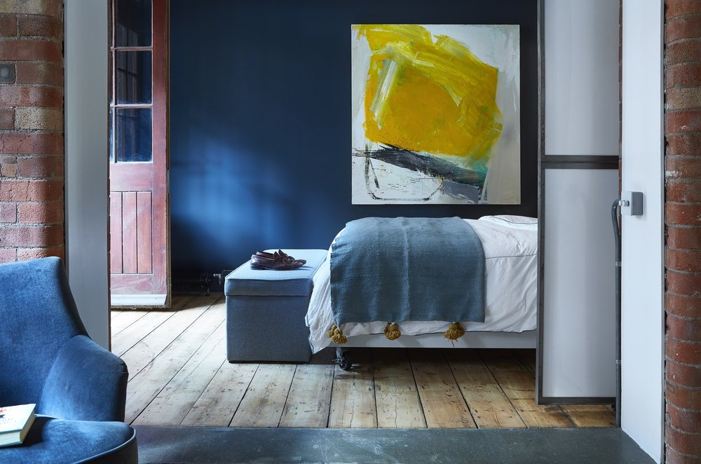 Converted Warehouse | London⁣   ⁣Abstract Painting    ⁣⁣  Interior Design: Huxley Home