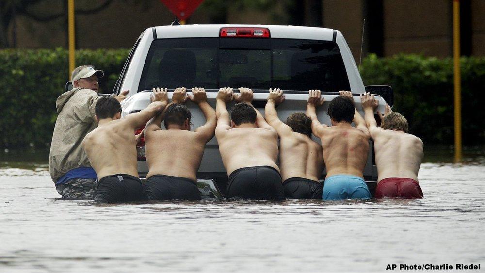 hurricane-harvey-volunteers-e1504030327864.jpg