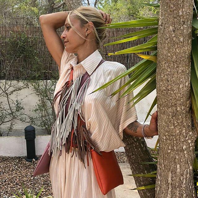 Ultimi attimi d'estate. Pronta per nuovi orizzonti. Bisogna guardare sempre lontano al di là di quello che conosciamo.  #italianstyle🇮🇹 #inspiration #instamood❤️ #fashionaccessories #accessories #loveyourself #picoftheday #style #artigian #bagsaddicted #bags #handbag #streetwear #streetstyle #fashiontips #fashionstyle #fashioninspiration #outfit #itbag #fabrics #tweaktherules
