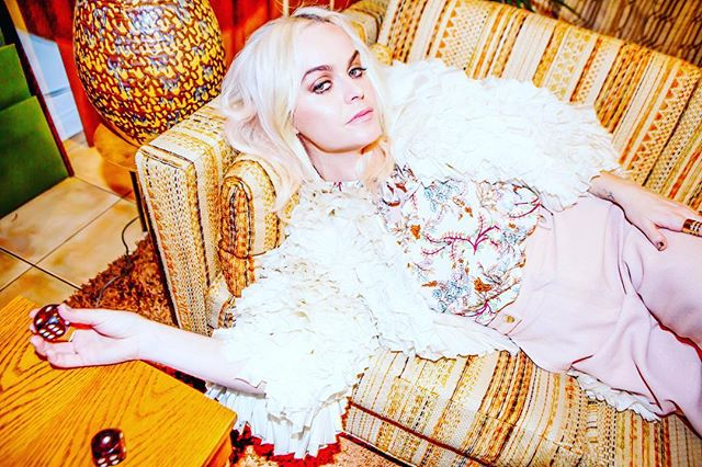 Rolling the dice in the 70's with @tarynmanning .  Makeup @acommonfemalecitizen  Styling @apuje  Hair  @__oskie__  #orangeisthenewblack