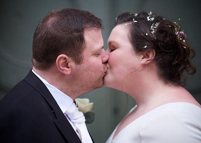 """Kissing may not spread germs, but they certainly lower resistance."" Louise Erickson #londonwedding #allsoulslanghamplace #kissing #destinationwedding"