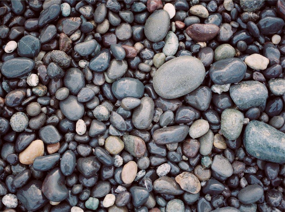 rocks-691717_1920.jpg