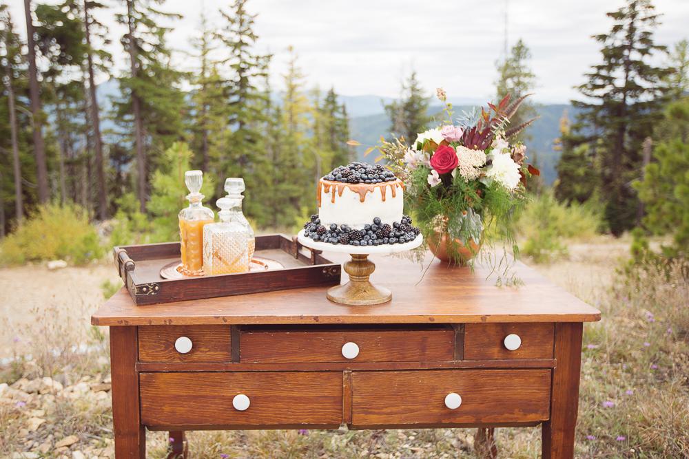 TABLES | DESKS | DRESSERS
