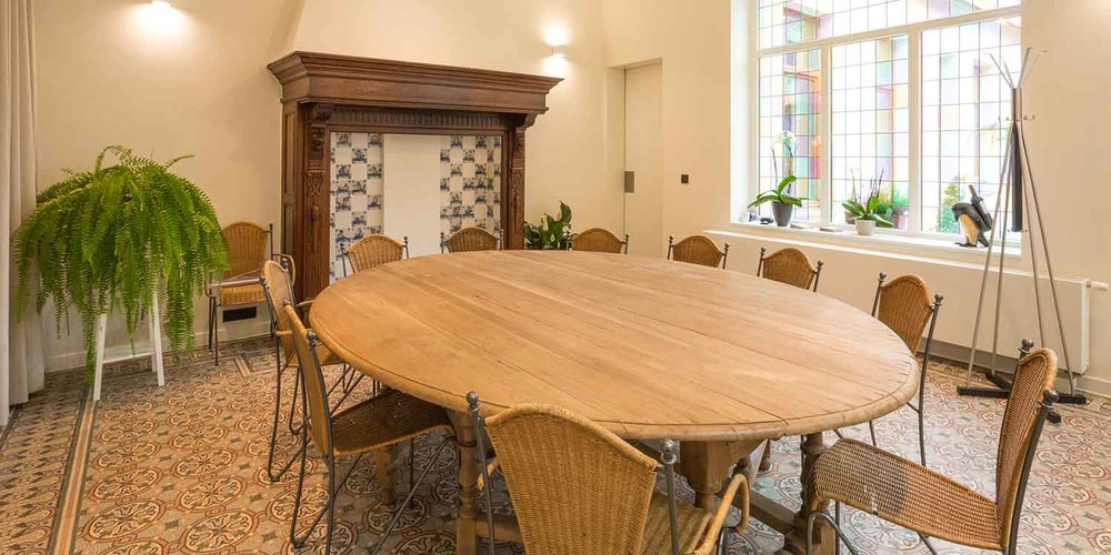 Vergaderzaal met catering mogelijkheden in authentieke sfeer in hartje Roeselare