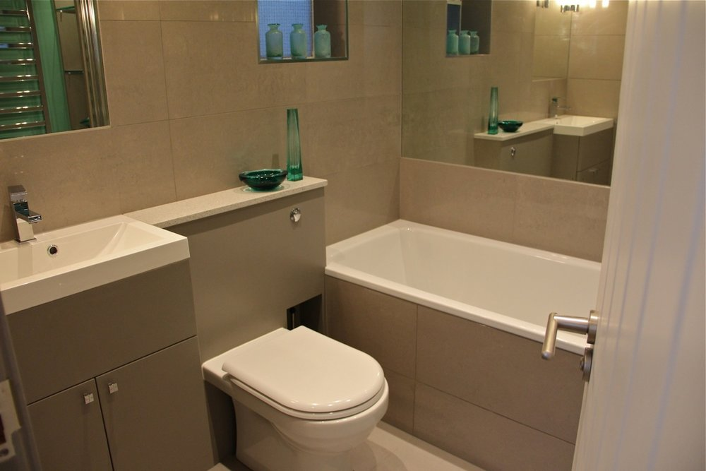 Venn Street: Bathroom