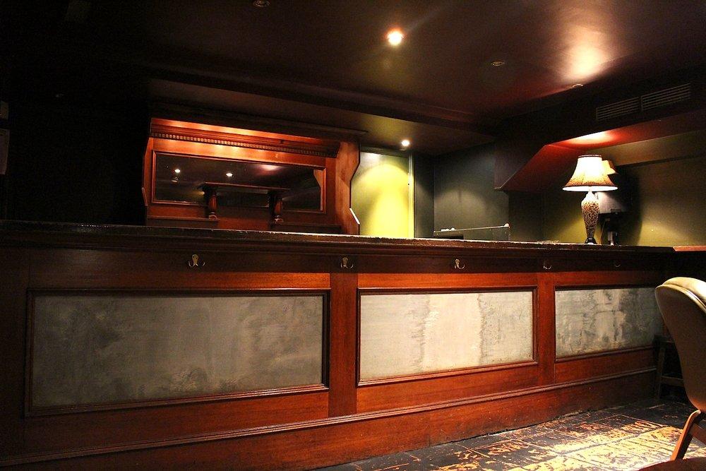 Gt Queen Street Bar: Before