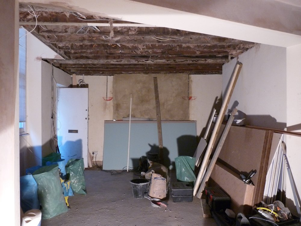 Cumberland Avenue, Living Room: Before
