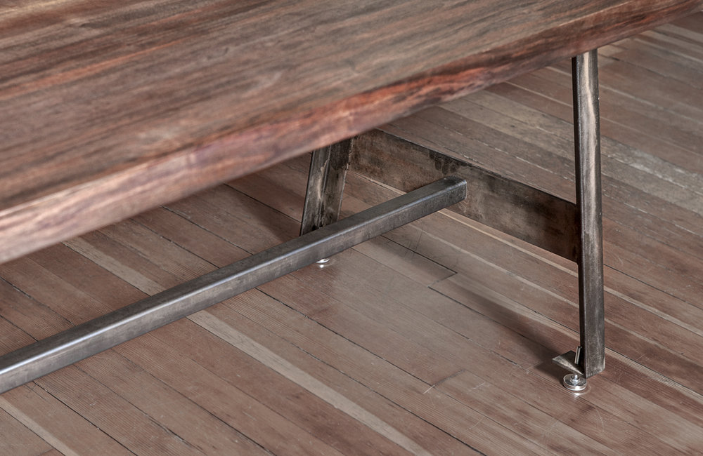 Walnut.Bookmatched Dining Table.HQM40.jpg
