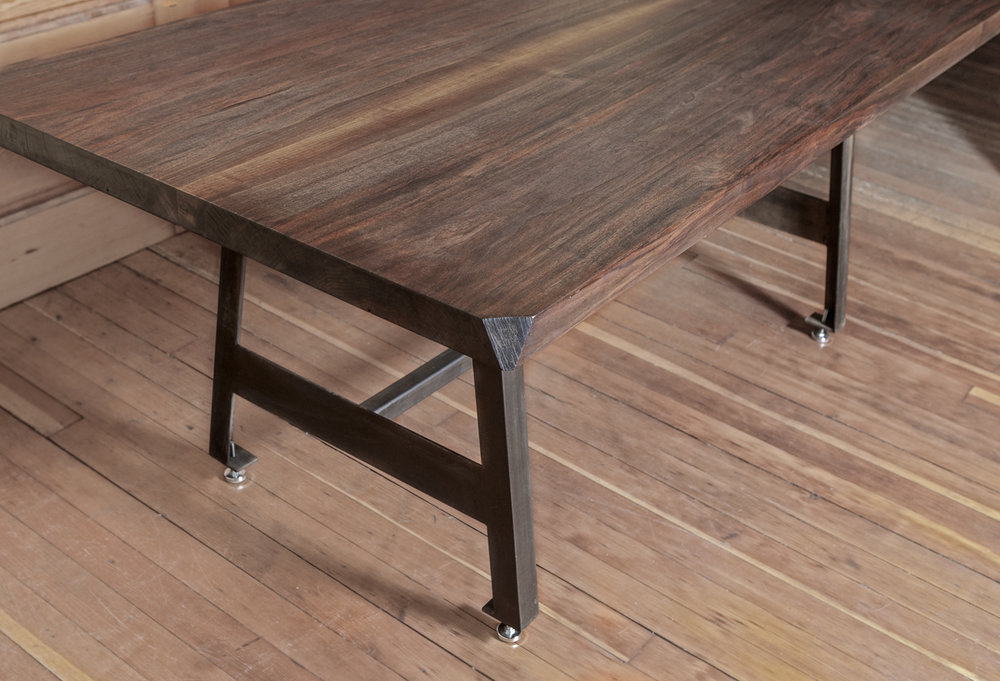 Walnut.bookmatched.dining table.HQM42.jpg