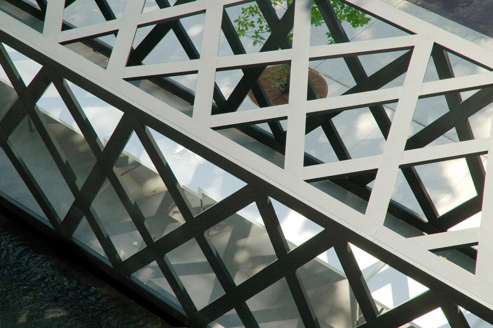 550 Wellington - pavilion steel