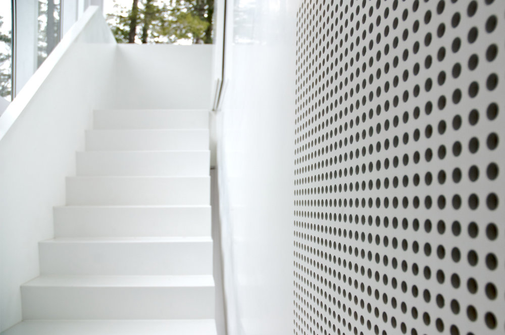 Glass Boat House - Stair White Air Intake