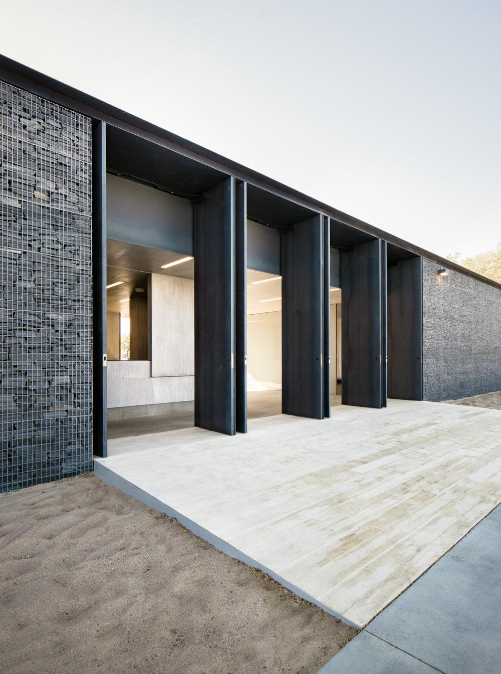 gh3 - Borden Park Natural Swimming Pool - Main Doors