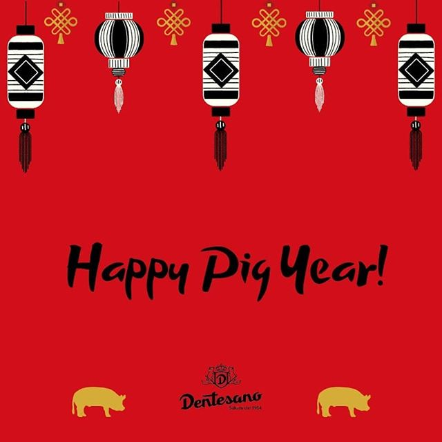 Ha ufficialmente inizio l'anno del maiale! . . . #calendariocinese #annodelmaiale #pigyear #happynewyear #buonanno #lanternecinesi #maialino #dentesano #salumi #salumidal1954 #cartocciodentesano #Levante #LevanteDentesano #prosciuttocotto #cottoincrosta #salame #fvg #Friuli #artigianidelgusto #madeinitaly