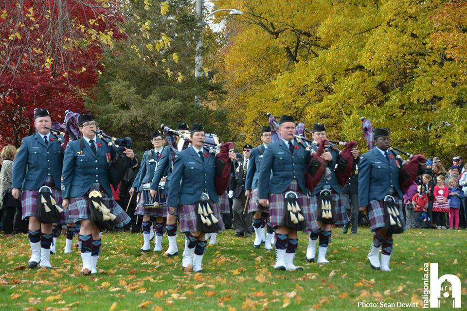 12 Wing Shearwater Pipes and Drums