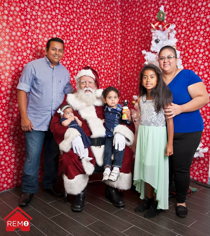 remo-the-whittier-realtor-santa-photo