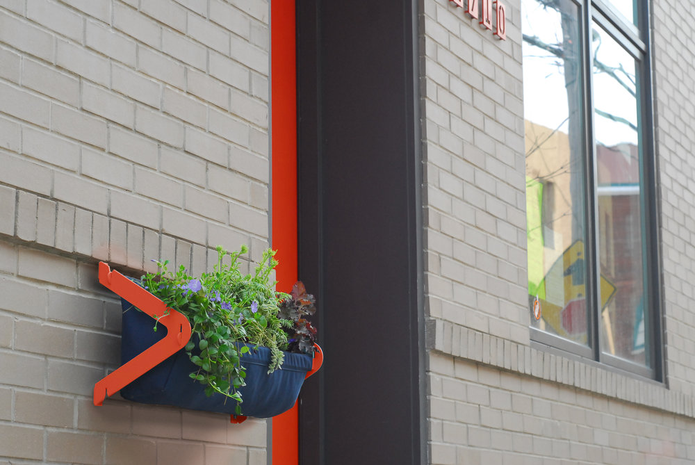 TUCKER Window Box / Orange