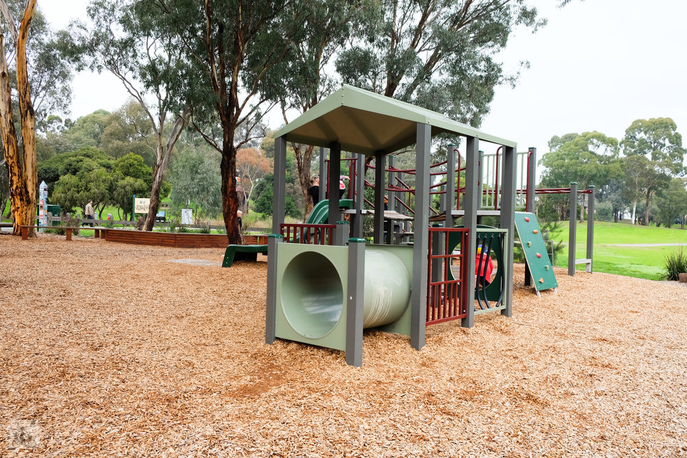 alistair knox park, eltham - mamma knows north