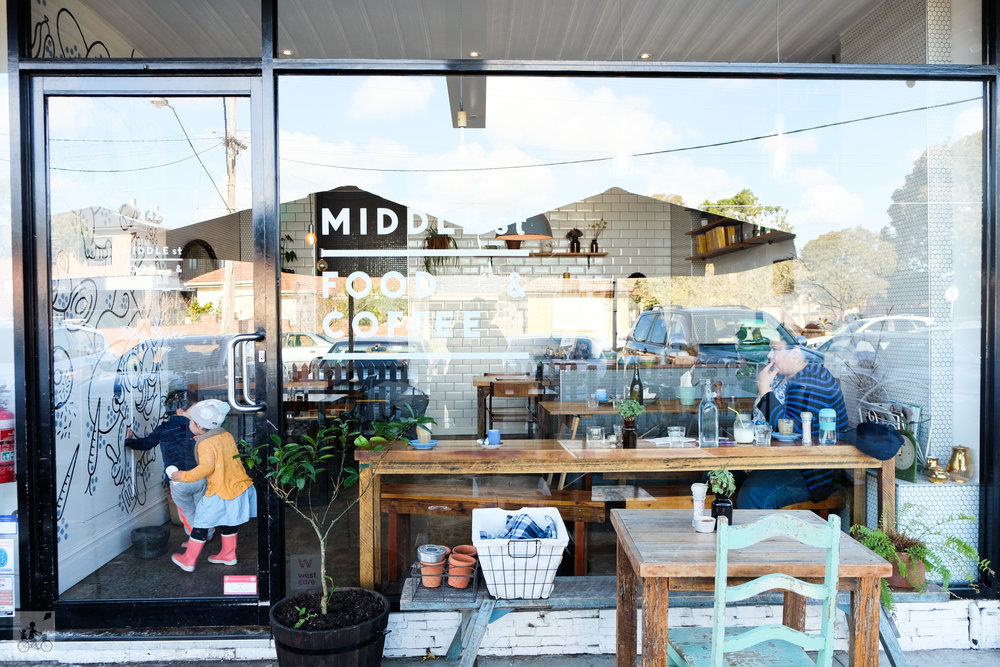 middle st food and coffee, hadfield - mamma knows north