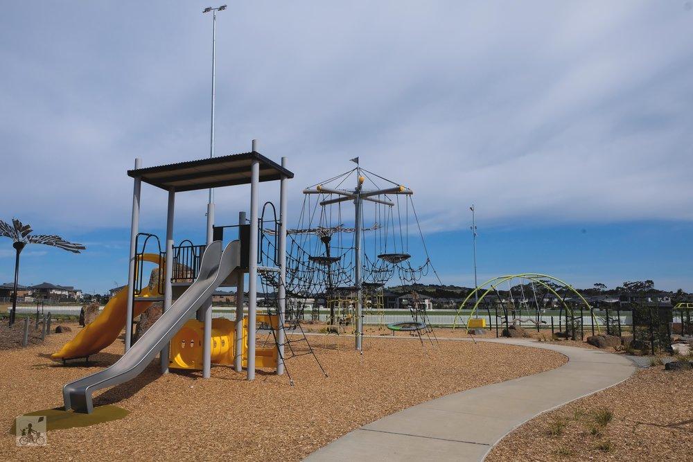 aston fields playground, craigieburn - mamma knows north