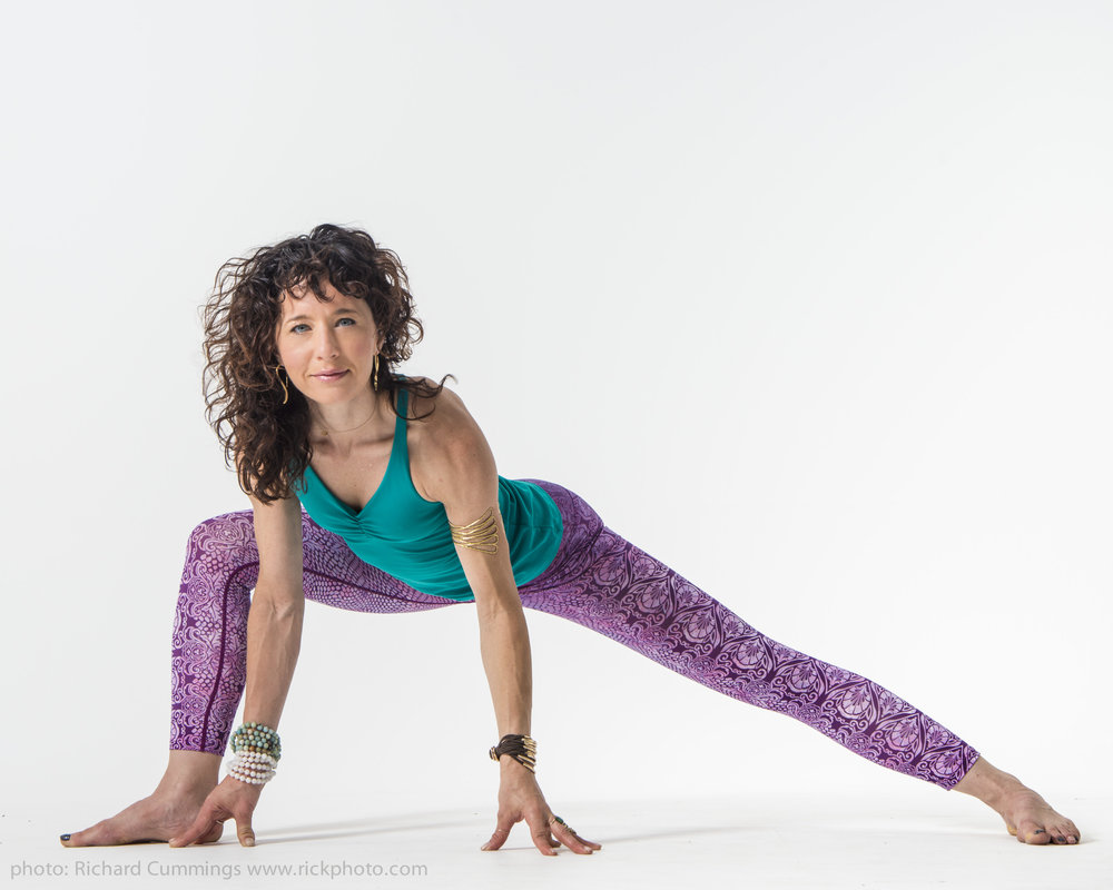 Shannon Paige Yoga Teach Plateau Students Teacher Training