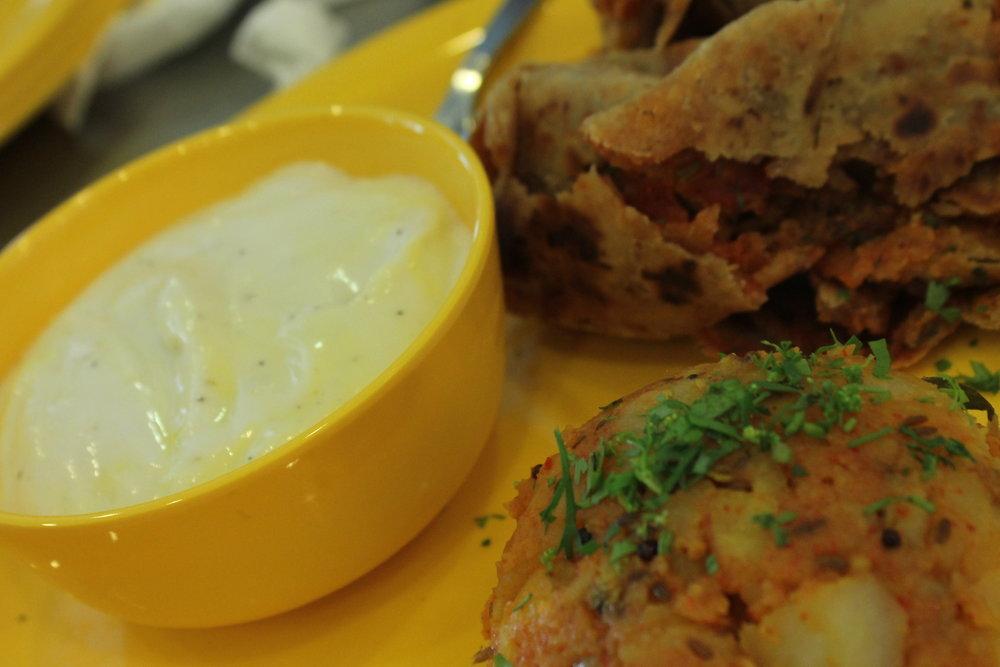 Satpadi roti with srikhand