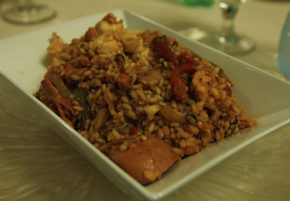 food in cuba - paella