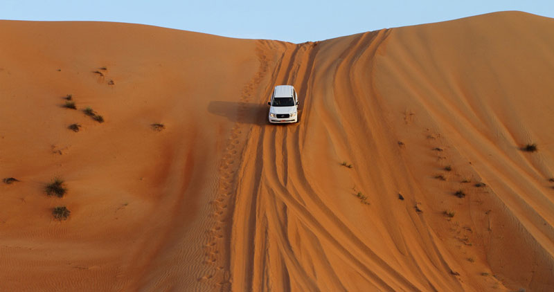 Dune bashing(cropped), Photo by Sankara Subramanian, CC BY 2.0