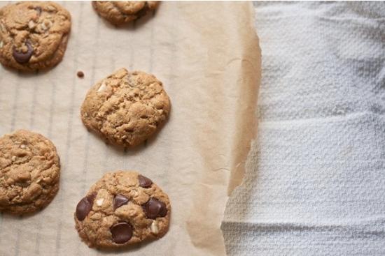 http://www.biggirlssmallkitchen.com/2012/11/flourless-peanut-butter-chocolate-chip-cookies.html