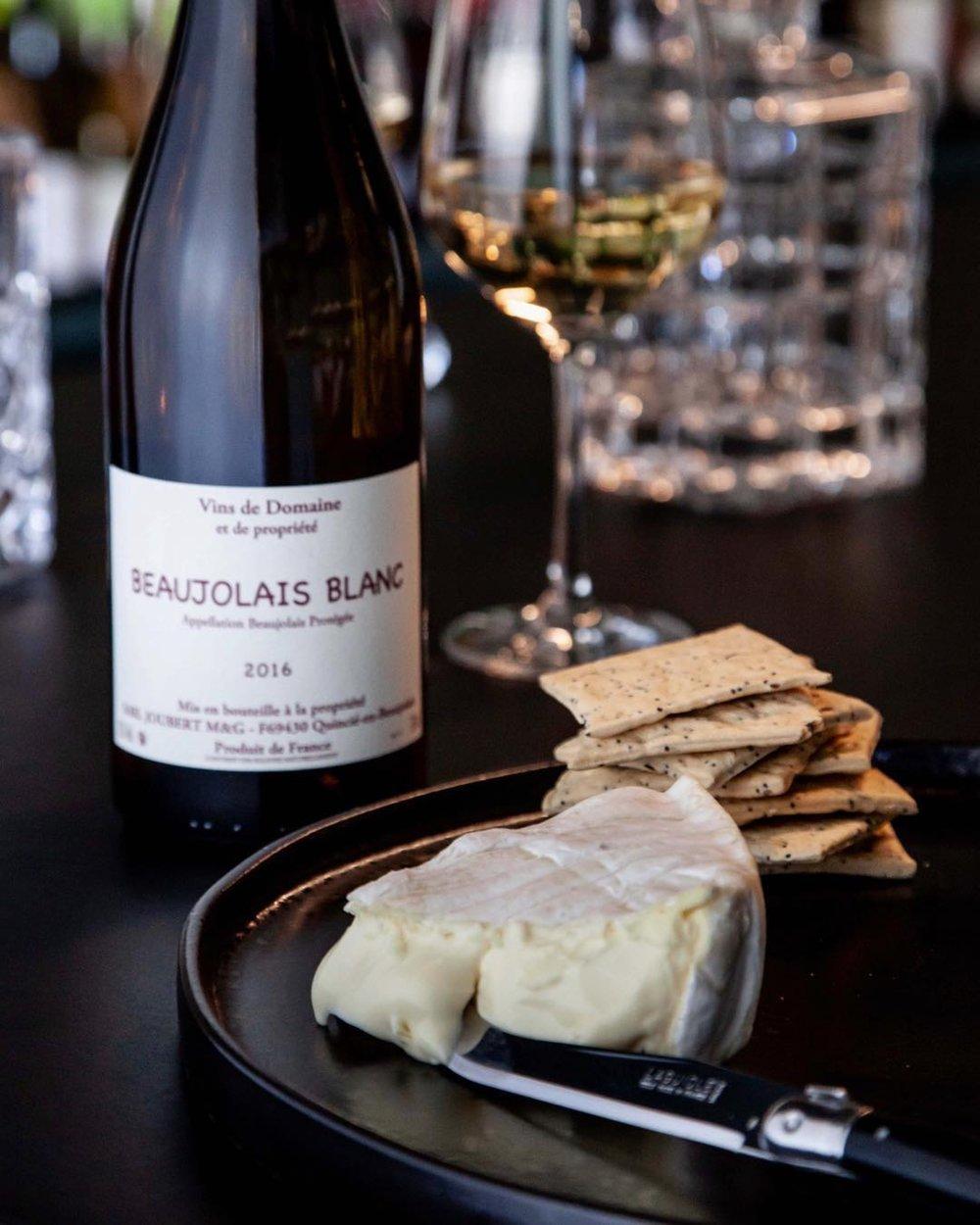 Le Delice de Bourgogne   Recipe    Domaine Dominique Piron Beaujolais Blanc 2017 - Beaujolais, France