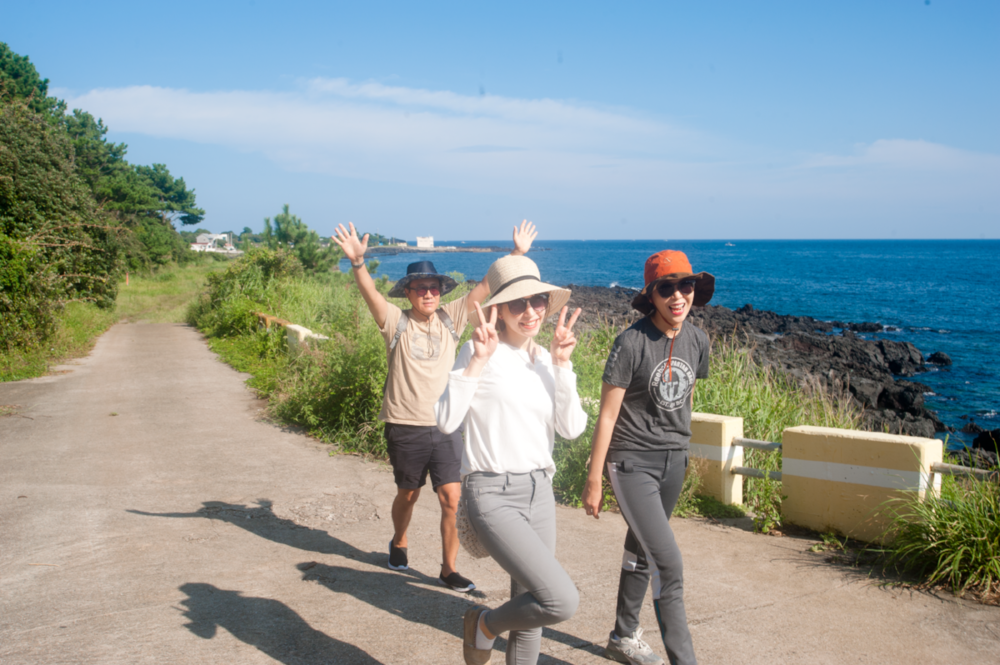 Olle trail hiking is best enjoyed socially with lots of picnic food, or on your own as a solo traveler (South Korea and Jeju especially is famous for its travel safety) with a good camera in tow.