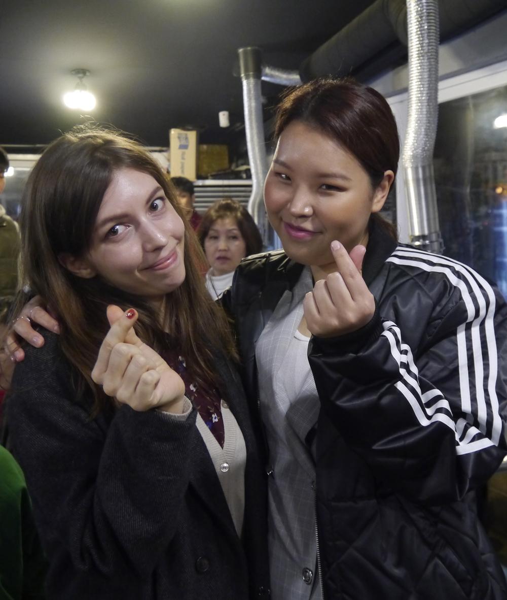 richard-parkers-meeting-korean-singer.JPG