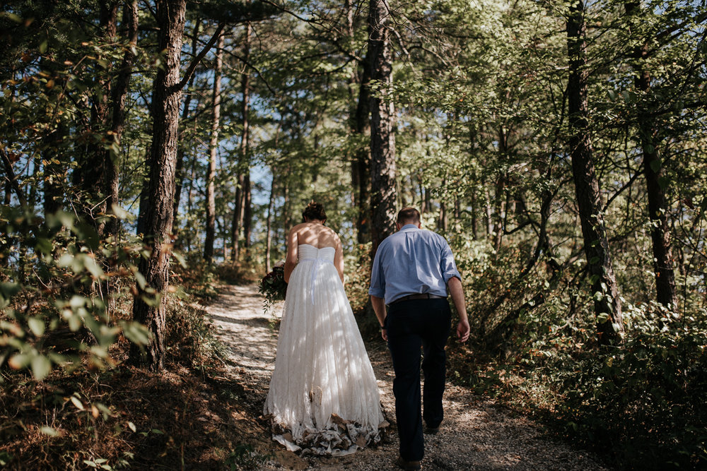 Kentucky Elopement Photographer