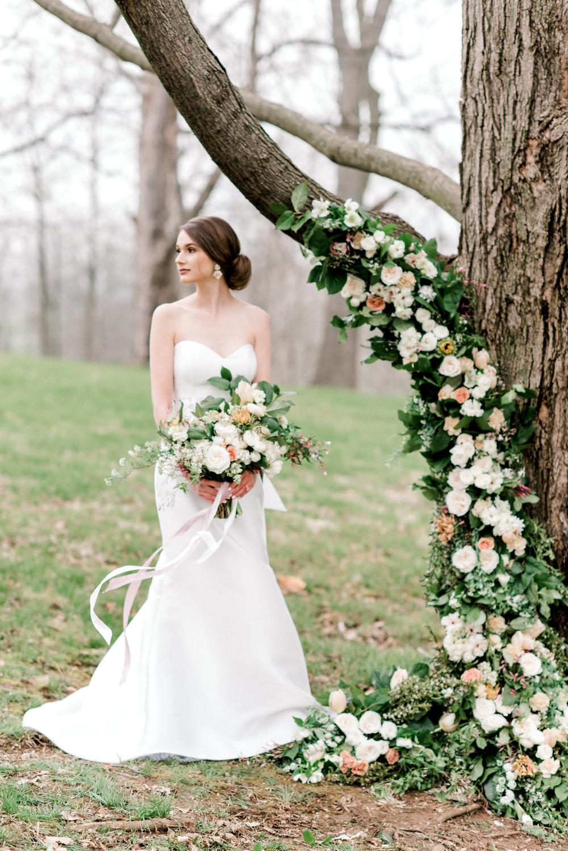 lovely-leaves-floral-elegant-wedding