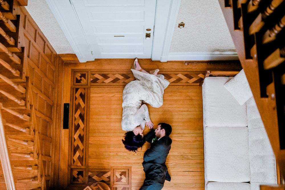 warrenwood-manor-wedding-venue-stairs