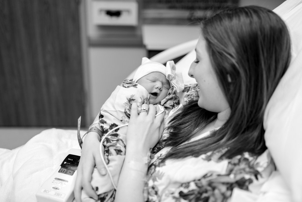 lifestyle-newborn-photographer-ky