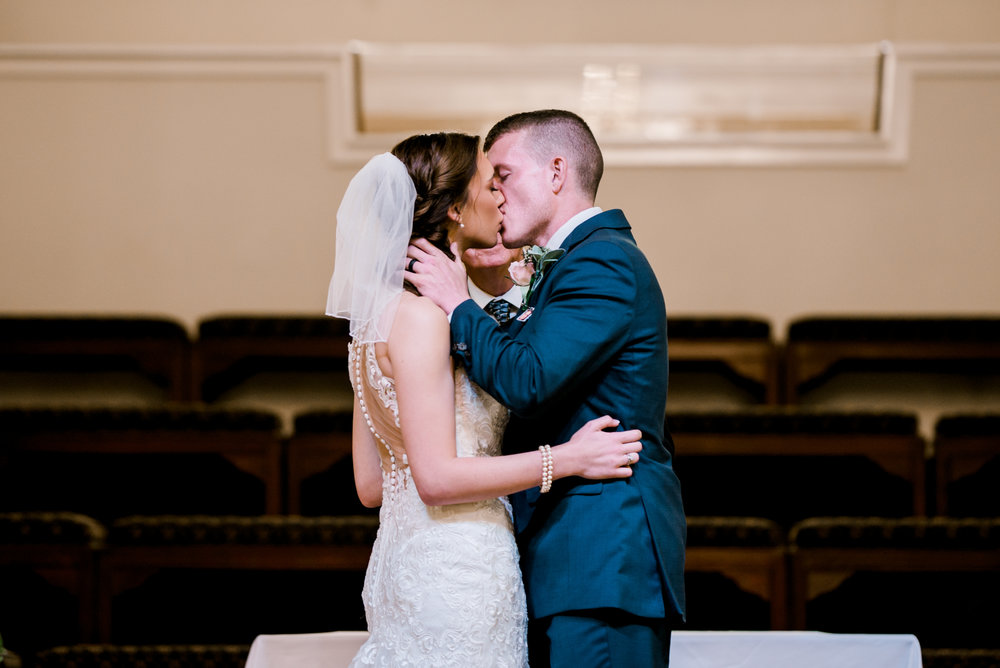 wedding-photographer-lexington-kentucky-first-kiss