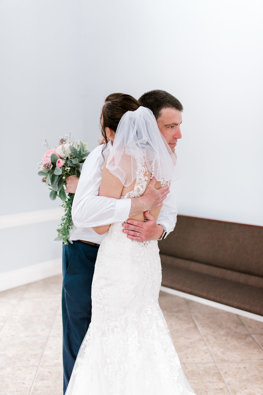 wedding-photographer-first-look-lexington