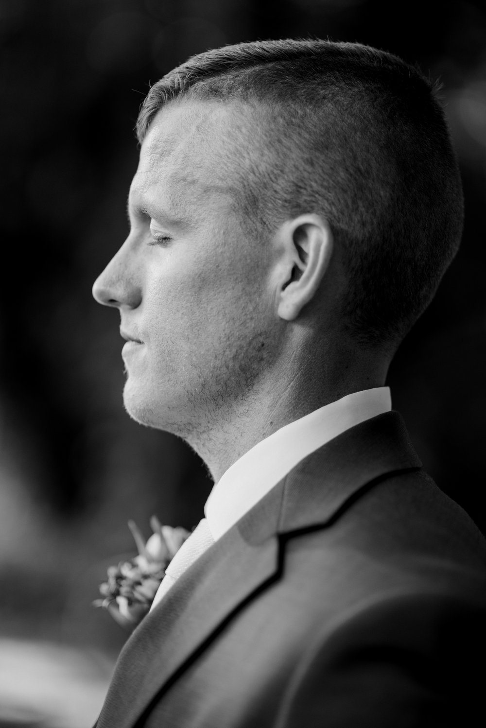 wedding-photographer-lexington-groom-portrait