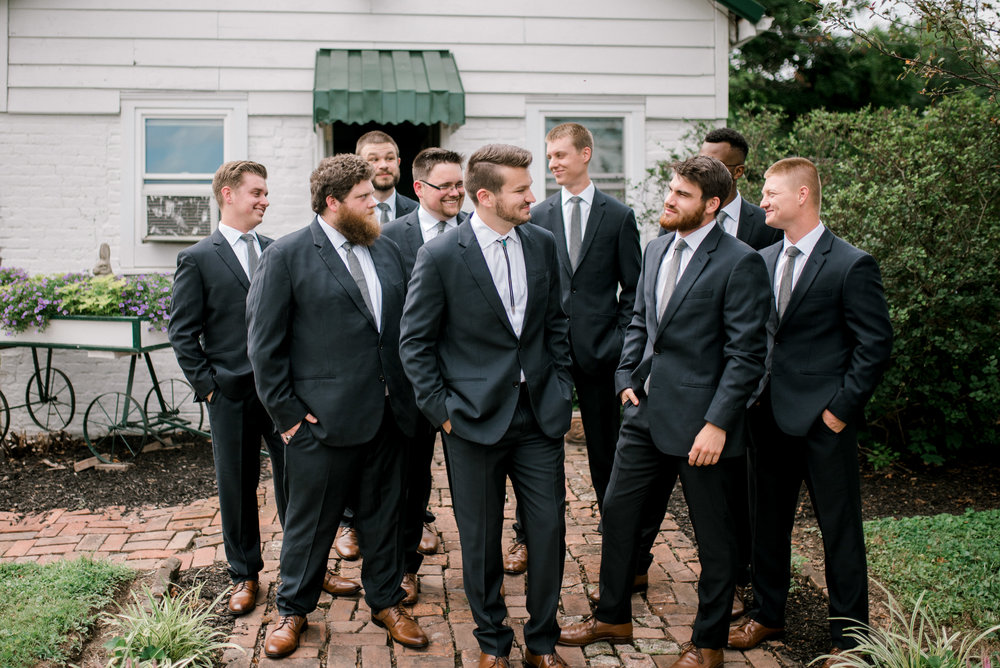 lexington-kentucky-wedding-photographer-groomsmen