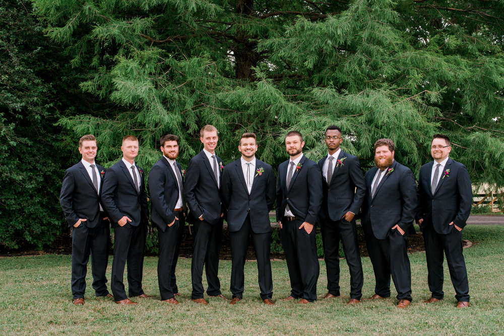 lexington-kentucky-wedding-photographer-groomsmen-photo