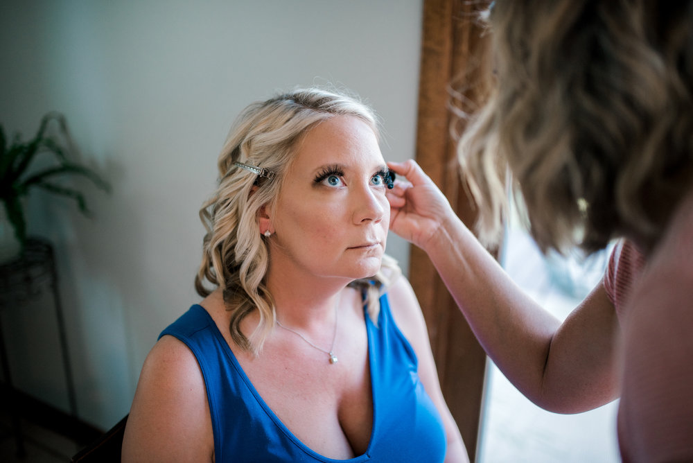 lexington-kentucky-wedding-photographer-bride-makeup